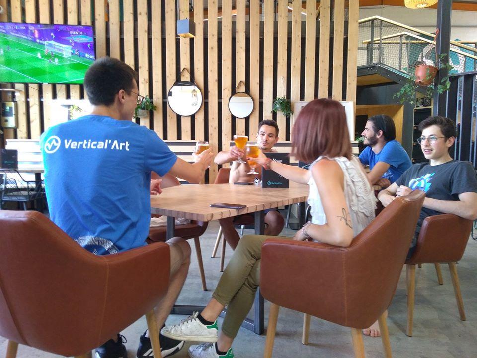 Salle de bloc avec restaurant - Diffusion Ligue des champions - Happy hour - Sport - Passion