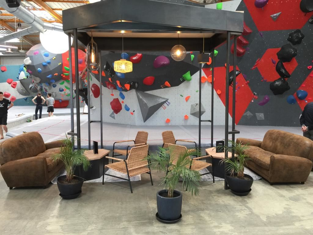 Salle d'escalade Vertical'Art Nantes restaurant espace chill